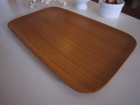 日本で最良の広葉樹『ケヤキ』材を使い、細かい部分にもこだわって、丁寧に作り上げたハンドメイドの木製トレイ♪木の温もりが感じられる、やさしいフォルム和洋どちらで...|ハンドメイド、手作り、手仕事品の通販・販売・購入ならCreema。
