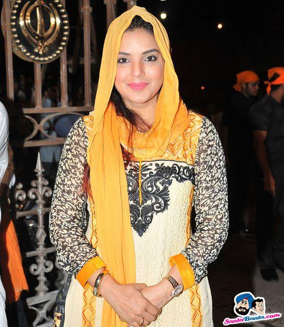 Evelyn Sharma Bollywood actress hot Wallpapers HD | HD Walls