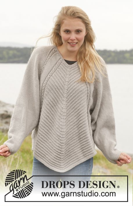"""Knitted DROPS jumper with textured pattern, wide sleeves and deep raglan in """"Lima"""". Size: S - XXXL. ~ DROPS Design"""