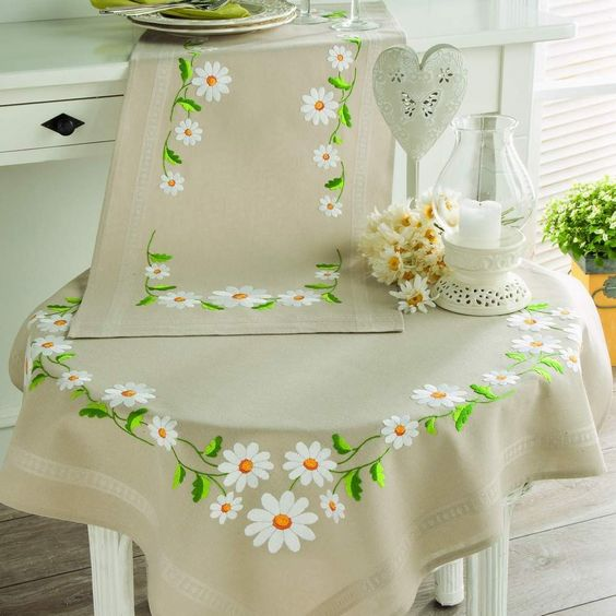 Pintar manteles en tela buscar con google pintura tela manteles caminos de mesa - Individuales para mesa ...