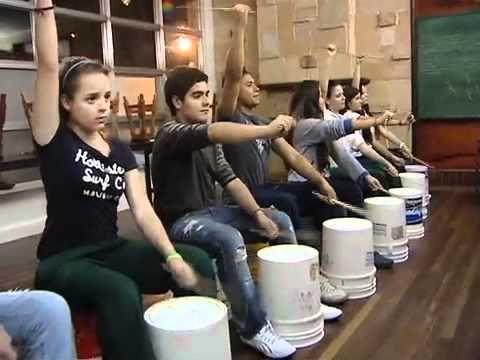 Bucket Drumming - some amazing examples! Documental - Grupo de Percusión Cantoalegre