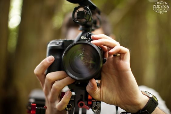 Weekly Wedding Tips: Videography http://minivideocam.com/starting-a-videography-service-from-scratch/:
