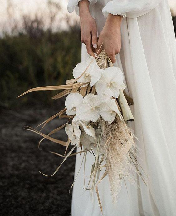 inspiratie buchet nunta plaja la mare buchet de mireasa simplu flori uscate