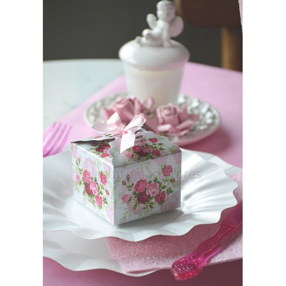 Wedding Gift Boxes Pinterest : ... Pinterest Wedding Favor Boxes, Favor Boxes and Romantic Weddings