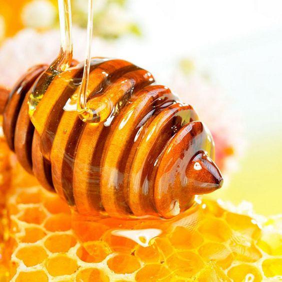 Sử dụng sữa ong chúa trị nám da an toàn và hiệu quả