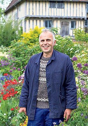 Gardener Fergus Garrett shares his top tulip tips from Great Dixter - Telegraph: