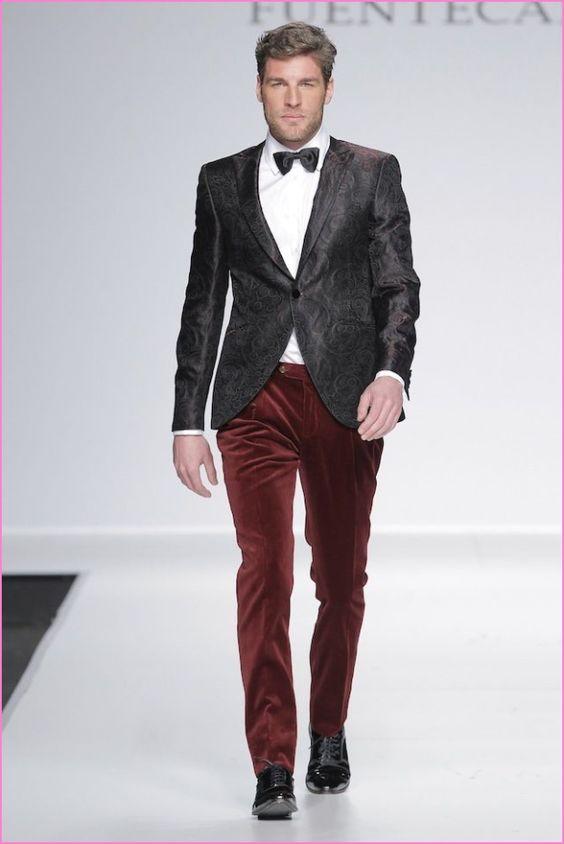 chequeta negra y pantalones rojos