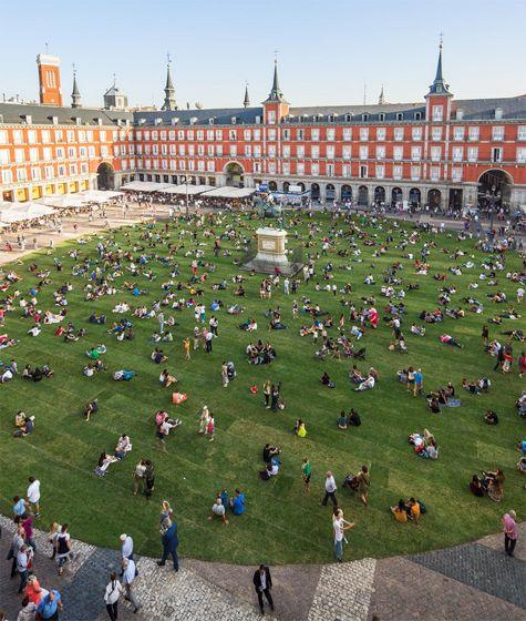 In Madrid A Green Circle In A Square Parking Design Landscape Architecture Madrid