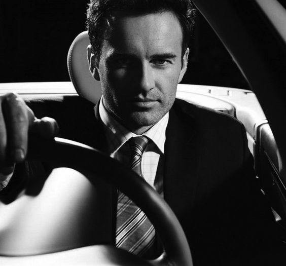 Julian McMahon would be perfect as Christian Grey! He was AMAZING as Dr. Christian Troy in Nip/Tuck! This is MY Christian Grey!