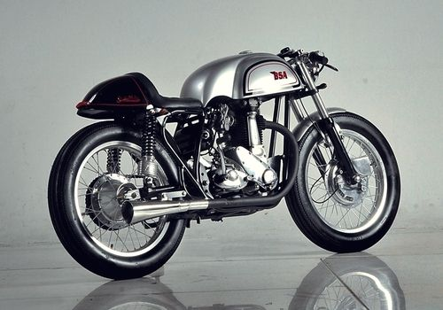 1953 BSA M33 Cafe Racer #motorcycles #caferacer #motos | caferacerpasion.com