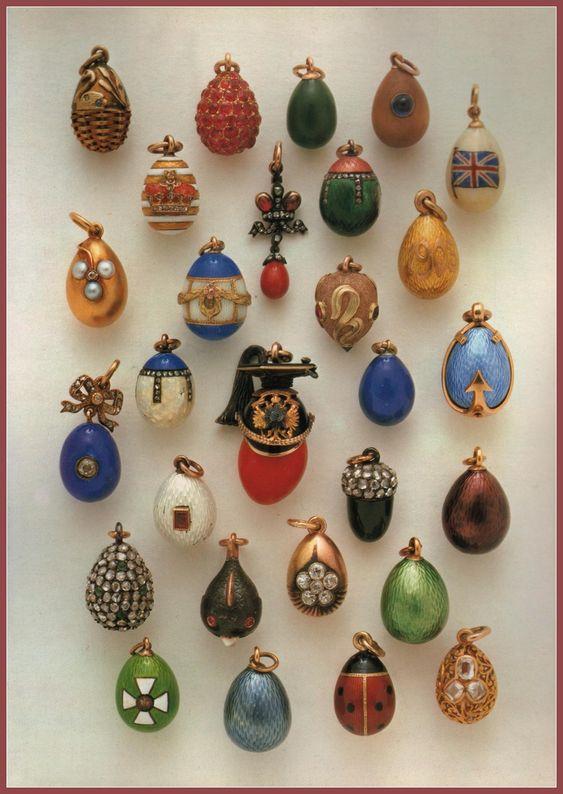 Pequeños huevos imperiales