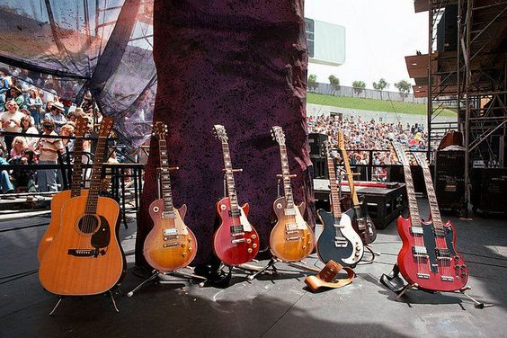 Jimmy Page - backstage quiver - 1977 Day on the Green. Oakland Stadium: Rock Guitars, Jimmy S Guitars, Zeppelin Guitars, Page S Guitar, Things Guitar, Guitars 1977, Led Zeppelin S, Music Musicians