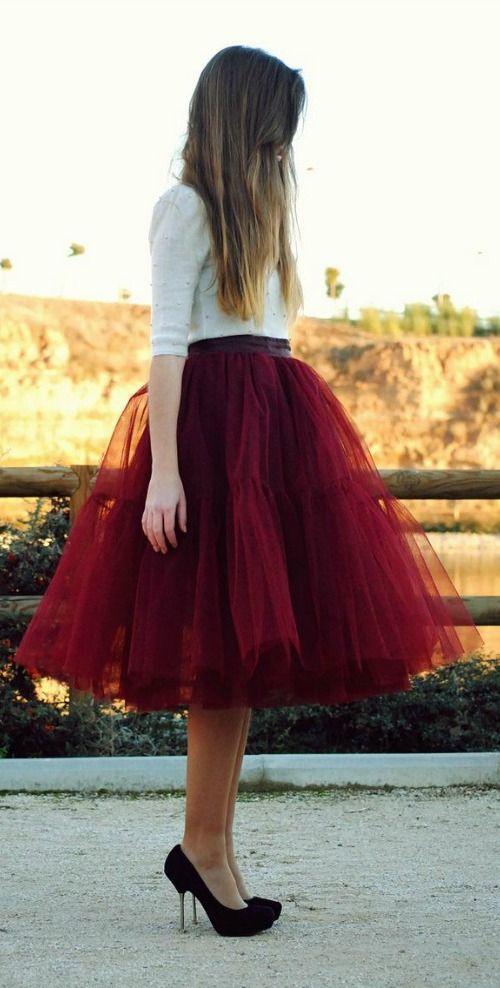 Tulle skirt in Marsala red