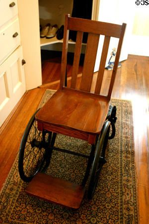 franklin roosevelt wheelchair | President F.D. Roosevelt's wheelchair which he had made from desk ...
