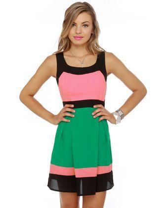 Adorable Summer Dress. Love the Watermelon color pallet!