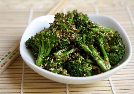 (WIN) Brócolis com gengibre e gergelim - MELHOR BROCOLIS EVER