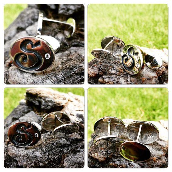 #Colleras de plata con circones Swarovski, diseño iniciales, #hechura #hechoamano / silver #cufflinks with swarovski zircon, initials design, #hechura #handmade #jewelry: