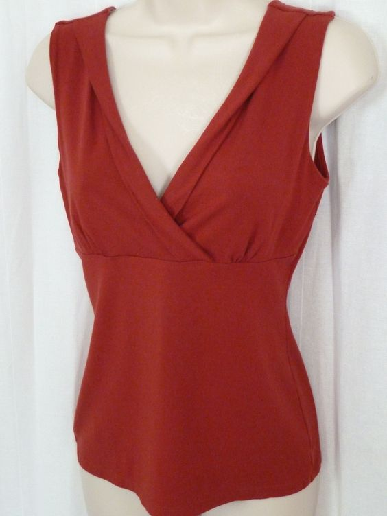 ANN TAYLOR Red Blouse S Cross Front V Neck Sleeveless Top Rayon Viscose 0615097