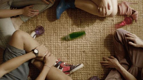 This spin the bottle game: | 21 Things You Won't Be Able To Stop Looking At