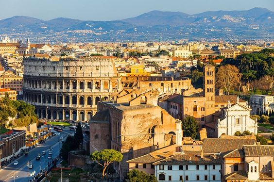 Rome eens anders dan anders verkennen? Ontdek de stad dankzij onze 52 straatverhalen! http://ciaotutti.nl/italie-special/ciao-tutti-special-3-rome-in-52-straatverhalen/