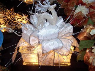 Wedding Centerpiece Using Glass Blocks With Strings Of