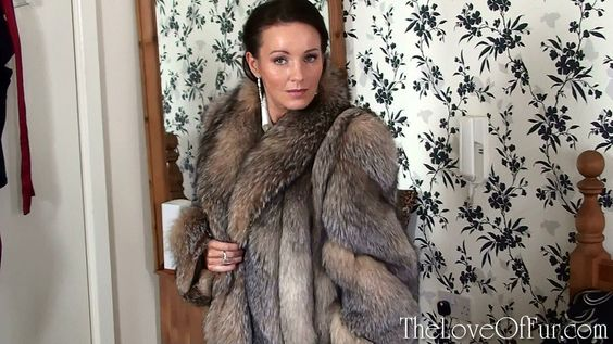 http://www.theloveoffur.com/viewupdate.php?id=32