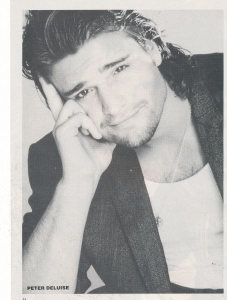 PETER DELUISE <3 <3 <3 :DD  he was the one I had a crush on from 21 jump st, not J. Depp! ;)