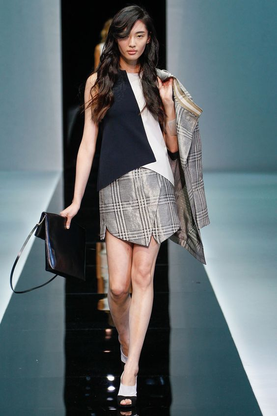 Emporio Armani.  Spring 2013: Mfw Fashionshow, Milanovità Ss13, Armani Ss2013, 2013 Ready To Wear, Fashion Style, Armani Ss13, Armani Spring Summer, Milan Women Ss13, Fashionshow Womenswear