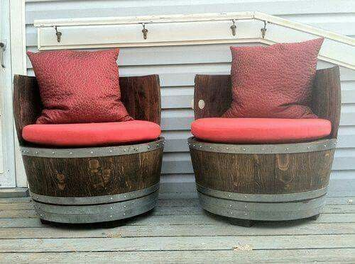 Repurposed wine barrels diy pinterest chairs for Wine barrel chair diy