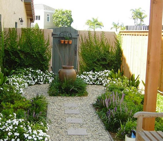 Gartenideen mediterran  Garden ideas, Landscaping ideas, Contemporary Garden, Small garden ...