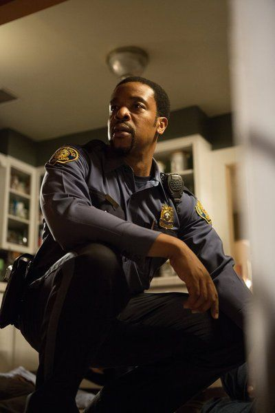 Episode: 11 - Season: 2 - 'To Protect And Serve Man' - Pics: 4 of 5 - In Grimm (2012).