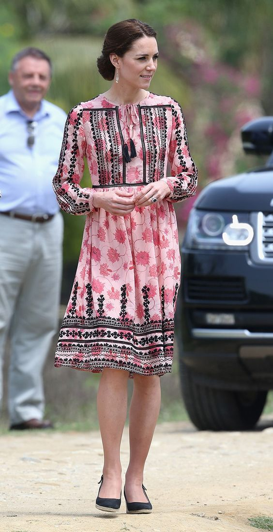 April 2016 - Royal tour in India and Bhutan - Kate in Kaziranga, dress by Topshop