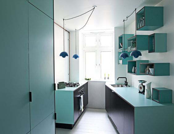 Køkken i sort mdf med søgrøn laminat #indretning #interior ...