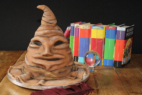 Sorting hat cake - http://www.buzzfeed.com/fjelstud/45-harry-potter-themed-cakes