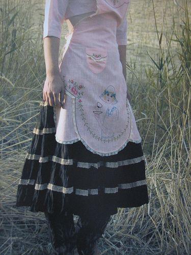Farm Girl Apron Pattern by calamity kim, via Flickr