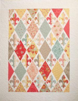 Fleur de France Quilt Pattern      www.quiltcorneronline.com:
