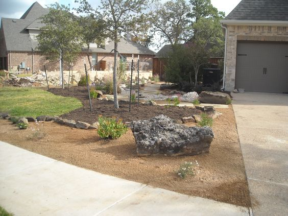 Crushed Granite Mulch : Front yard landscape xeriscape theme with decomposed