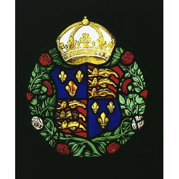 A glass roundel, c.1550, displays the Tudor royal arms and red and white roses symbolising the houses of Lancaster and York, all surmounted by the crown of England. (Victoria & Albert Museum)