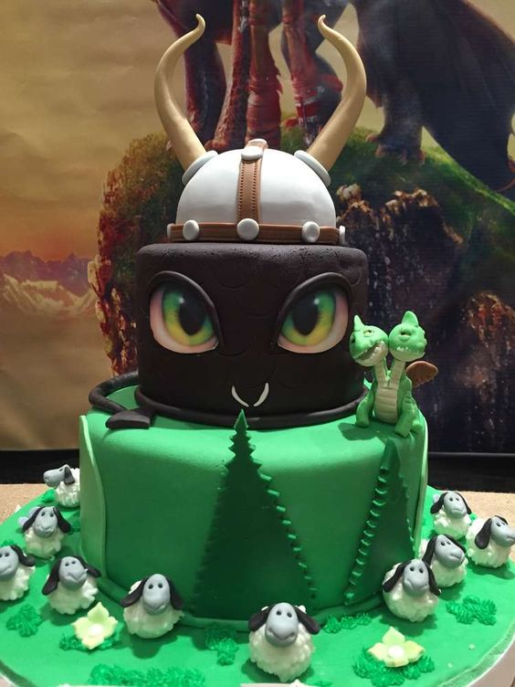 Festas de aniversrio de drago aniversrio de drago and drago on what a cake at a how to train your dragon birthday party see ccuart Images