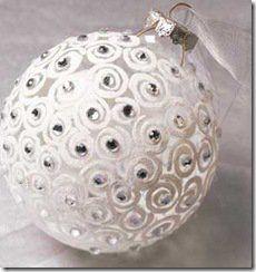 Bola decorada da um ar elegante a sua arvore de natal