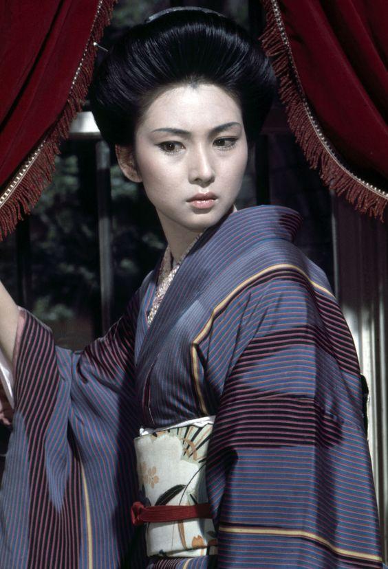 Meiko Kaji in Lady Snowblood 2: Love Song of Vengeance - Shurayukihime: Urami Renga (Fujita Toshiya 1974)