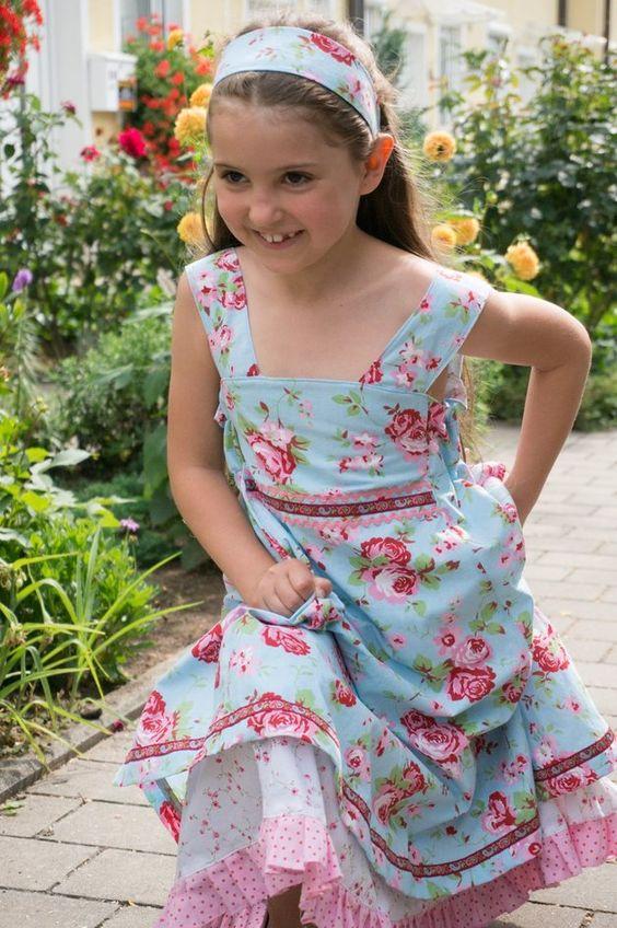 Weiteres - Einschulungskleid, Stoffe nach Absprache - ein Designerstück von Creastina bei DaWanda