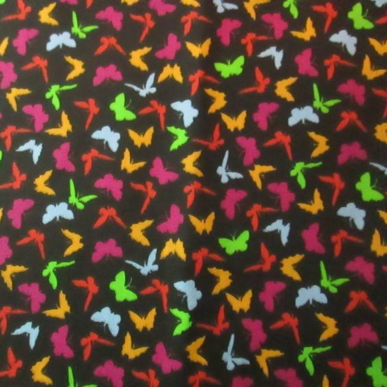 C0010 - borboletas, fundo preto