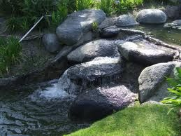 Google Image Result for http://touchtresbien.com/wp-content/uploads/2010/06/Rock_Fountain.jpg