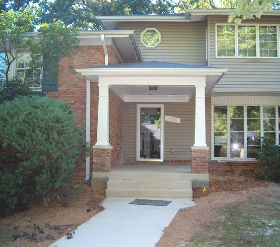 Craftsman Style Portico Porch Covered Entryway W Tapered Columns Brick Bases Beaded Porch