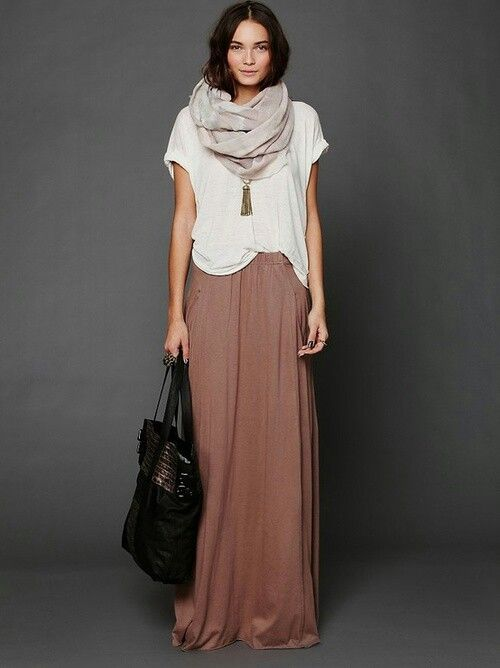 Winter maxi dress. Loose white t-shirt- brown maxi dress- grey ...