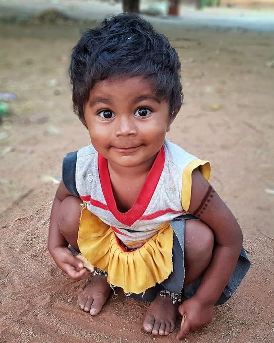 (Streets of India) 👣Walking Captures👣 CUTE MOMENT The moment I went close to her, she gave a cute expression which I failed to capture…