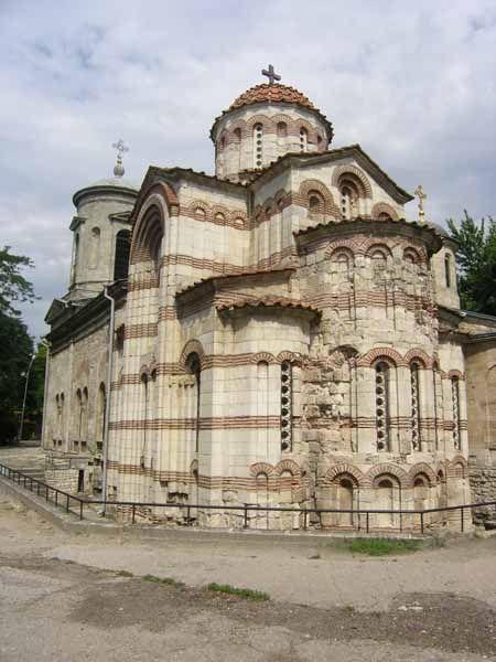 Керчь. Церковь Иоанна Предтечи. В кладке храма обнаружены амфоры VIII-IX веков, которые использовали в качестве голосников