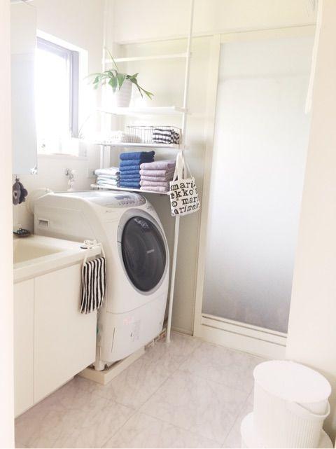 洗面所の収納アツプに突っ張り棚取り付けました 浴室 収納棚 脱衣
