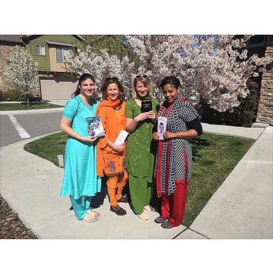 Out on Hindi ministry in Midvale Utah. We just became a pre-group which is thrilling. Utah is already one of the areas of greatest need in English in the US and the foreign language field is exploding here too. Jehovah is peering it up! Photo shared by @onelittledaisy